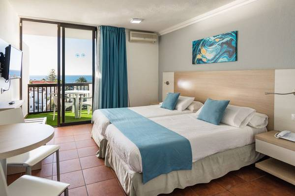 Double room with balcony and sea views new folias hotel gran canaria