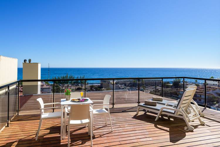 Two bedroom apartment with double balcony and sea views new folias hotel gran canaria