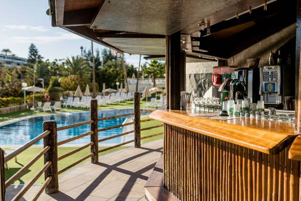 Bar piscina hotel new folias gran canaria